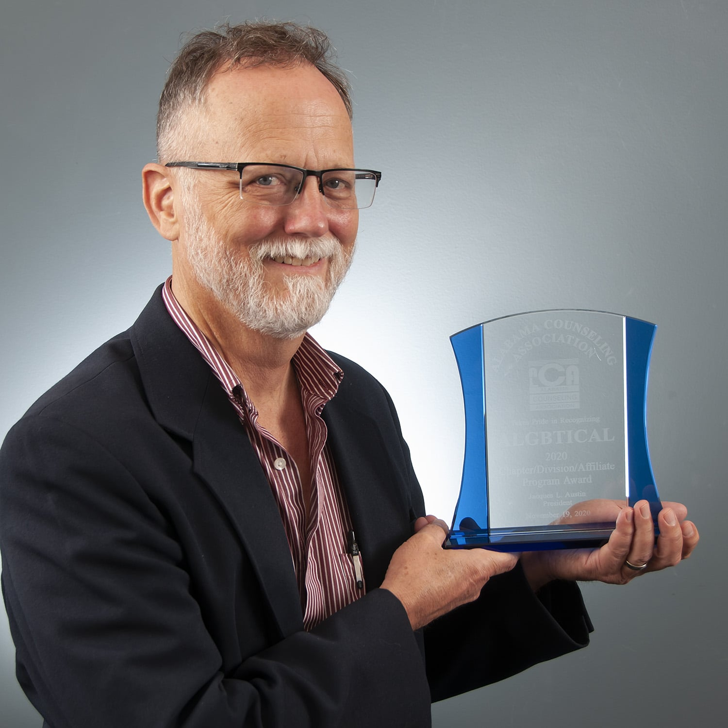Paul Hard receives counseling award for organizing LGBTQ pandemic workshop